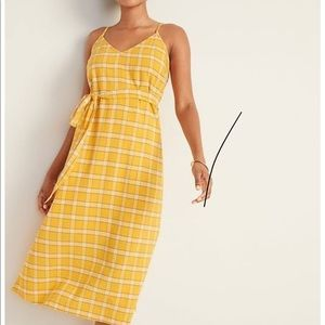 Old Navy checkered cami belted dress